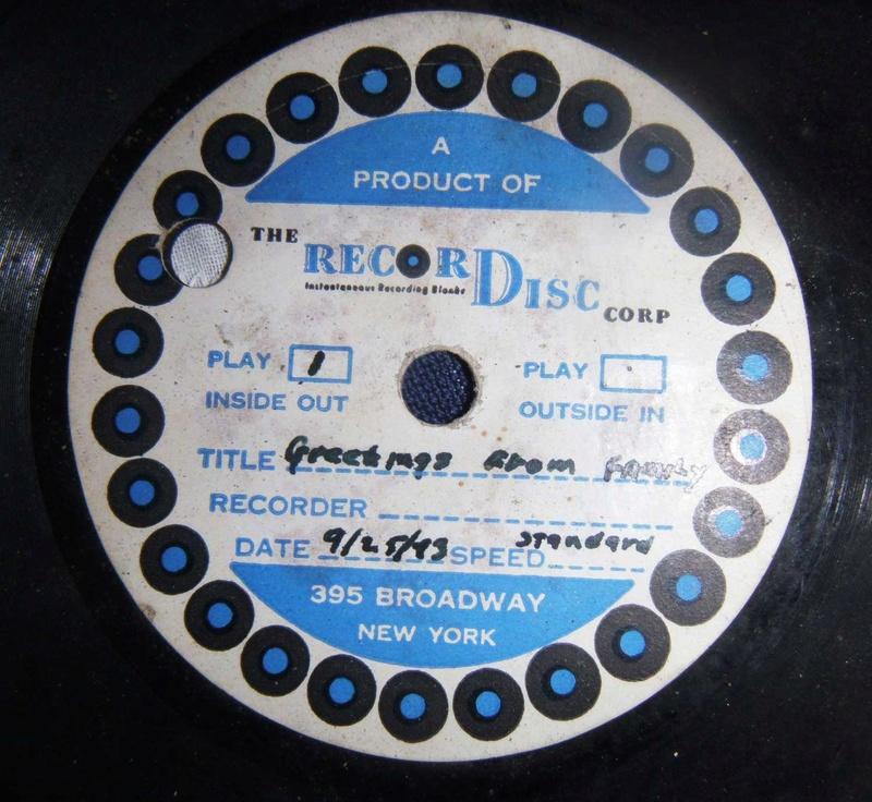 Bonne maison : Tourne disque US et V Disc !!! Us_19427