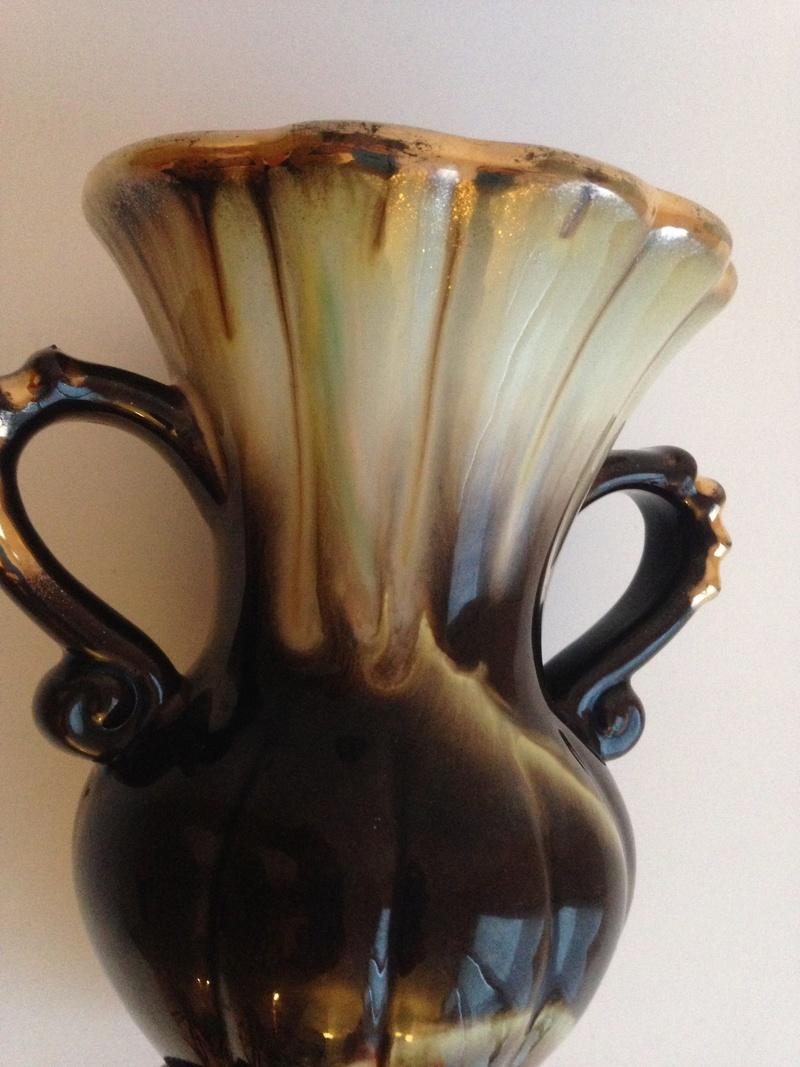 ceramic vase: brown, cream drip glaze, gold rim - ID help please -Carstens? Img_4811