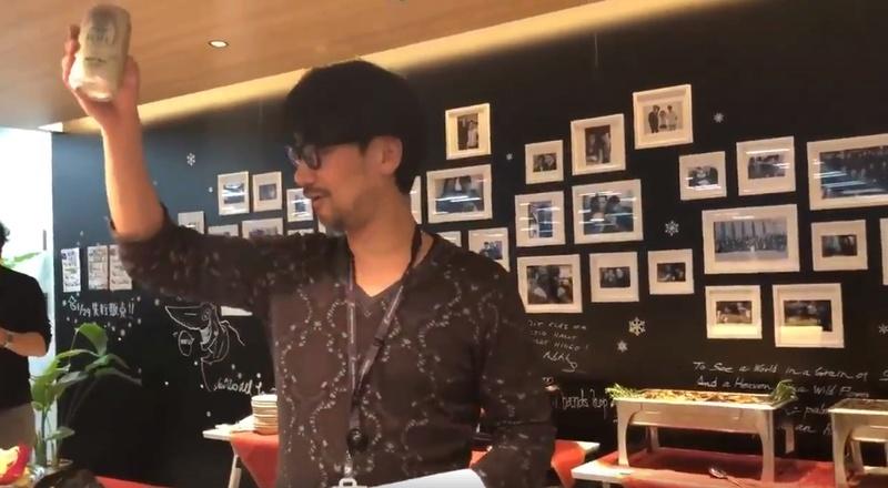 Kojima haciendo brindis Screen10