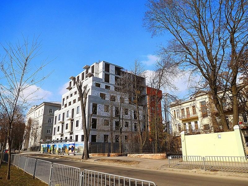 ЖК Central Park   10 эт.   2020 строится Dscn1013