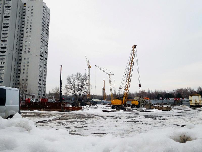 ЖК Башни Созидателя   2019 строится Dscn1911