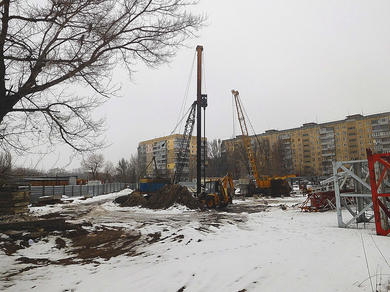 ЖК Башни Созидателя   2019 строится Dscn8423