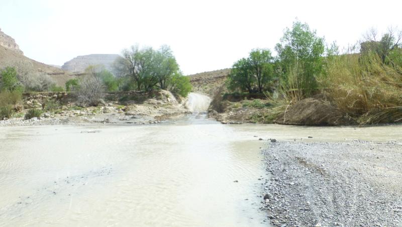 [Carburant, Routes, Police] Gorges du Todra - État de la route P1160010