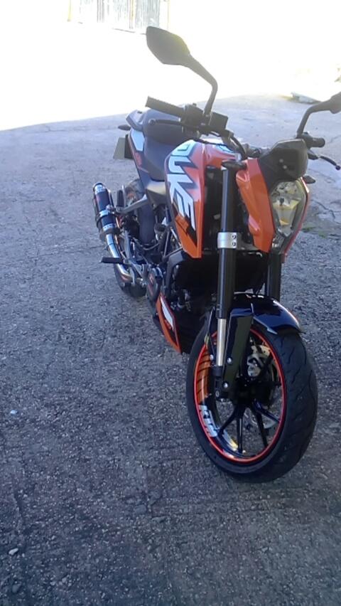 A minha Ktm duke 125 e preciso de uma opinião... Moto210