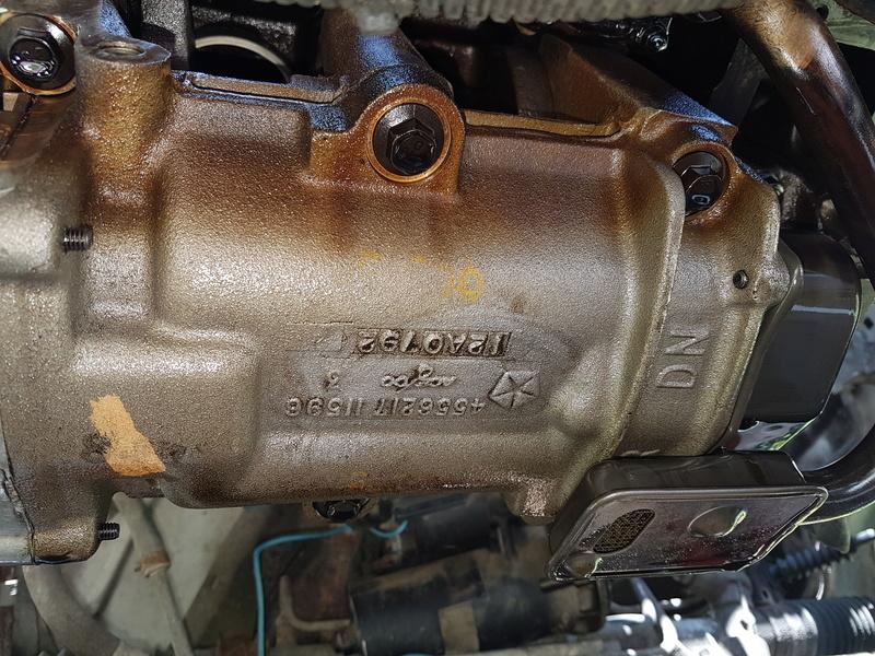 embrayage et étanchéité entre boite et moteur 2,5L essence 1995 20180521