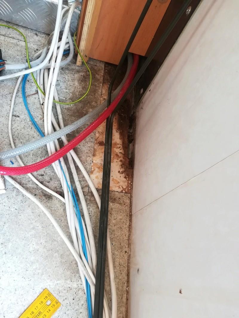 [INFOS Techniques] Réparation plancher pourri chez Trigano Agadir / Problème de pression d'eau Img_2018