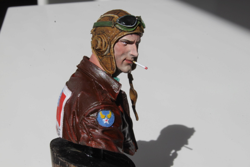 Pilote Flying Tigers Young Miniatures 1/10 Img_2811