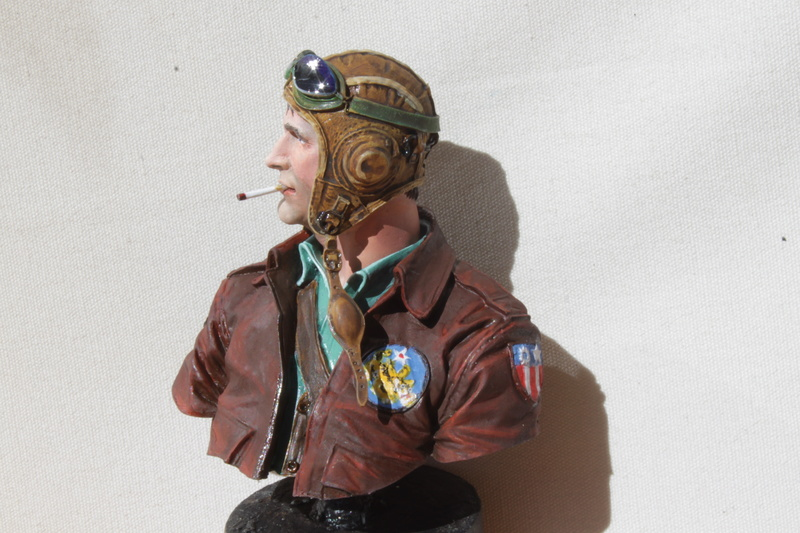 Pilote Flying Tigers Young Miniatures 1/10 Img_2821
