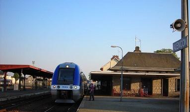 Alençon. Le collectif de défense des axes ferroviaires en gare, dimanche Df56b210