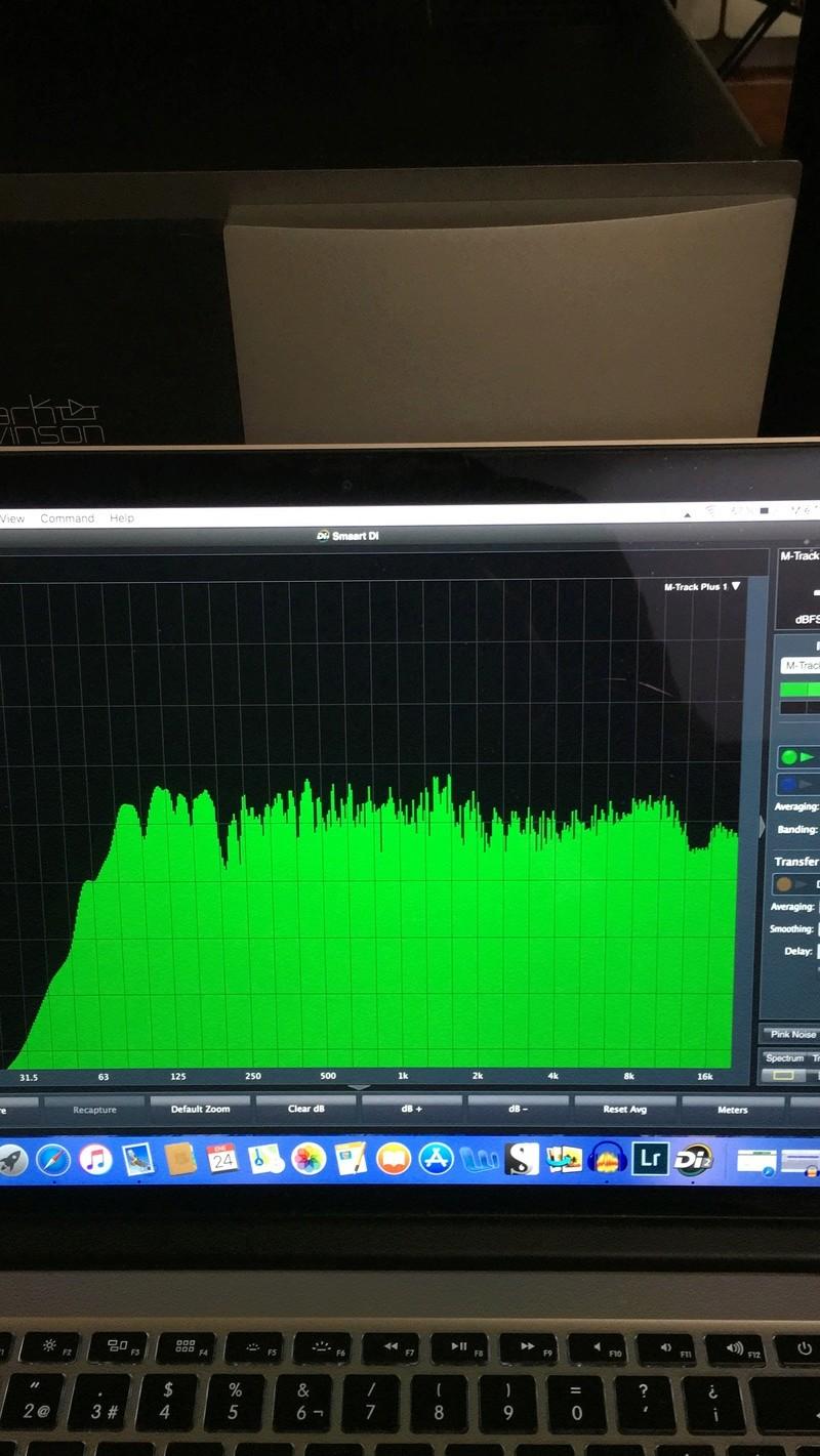 YAMAHA AS3000 atacando B&W 805D3, sección de phono con SME 15. 805d310