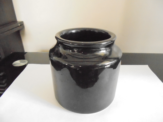 Titian black jar 1484 - Pictures for Ev Dsc01454