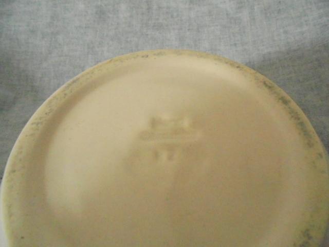 vase - Hand Ceramics Putaruru - White bowl / vase Dsc02421