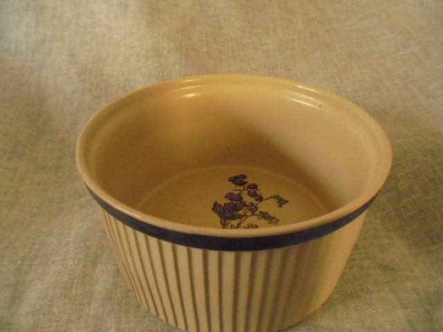Richmond Stoneware - Casserole dish Dsc02915