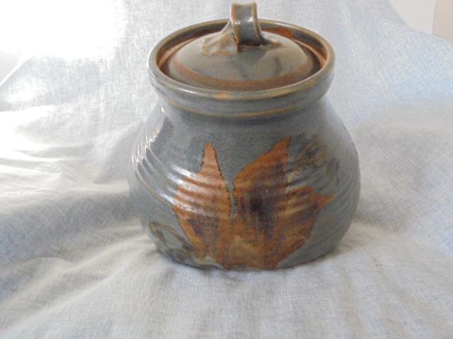 Large storage jar (bread crock?), jug, vase, miscellaneous crockery Dsc03320