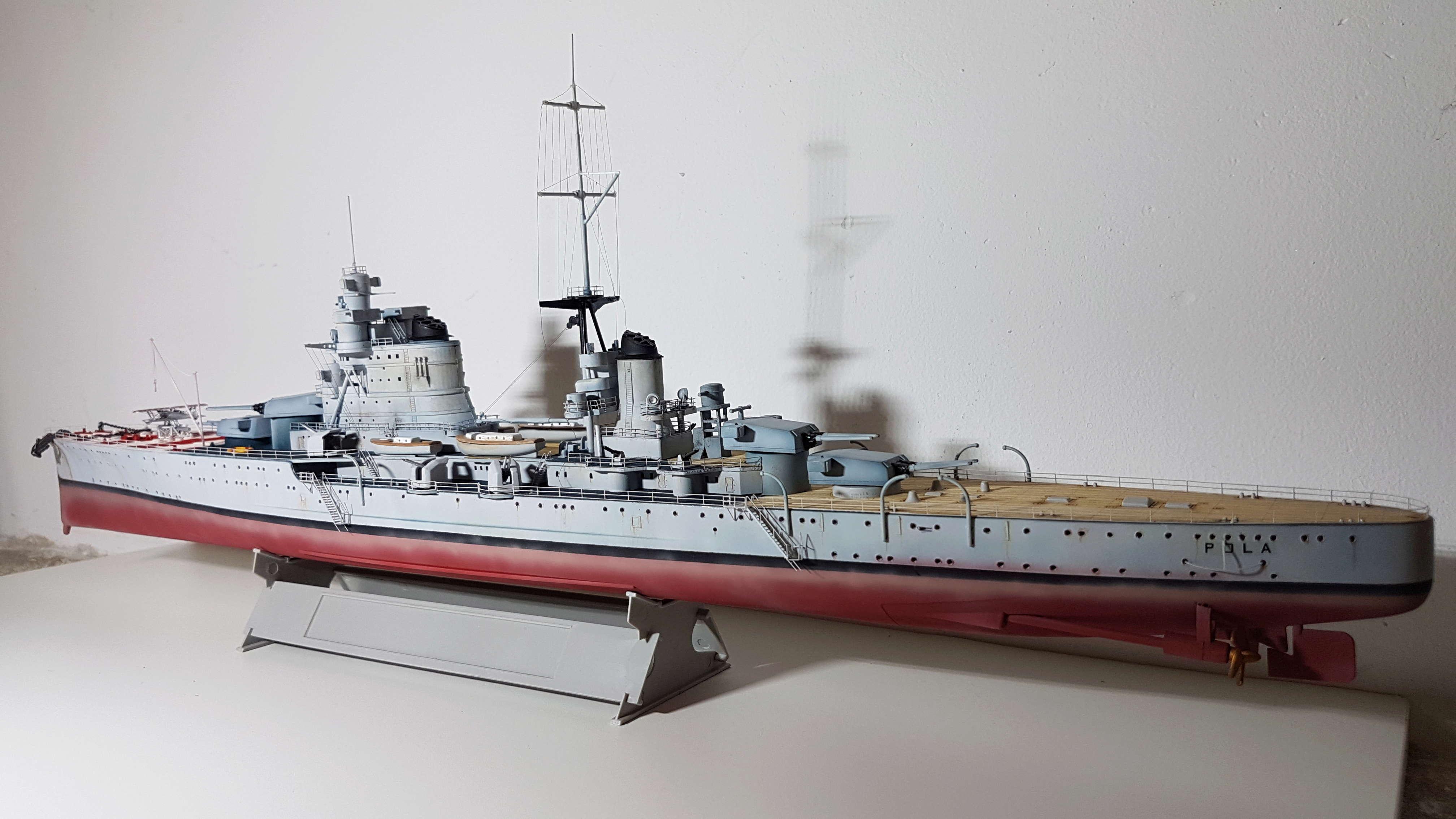 RN Pola (croiseur lourd classe Zara) 1/350 [terminé] 20180524