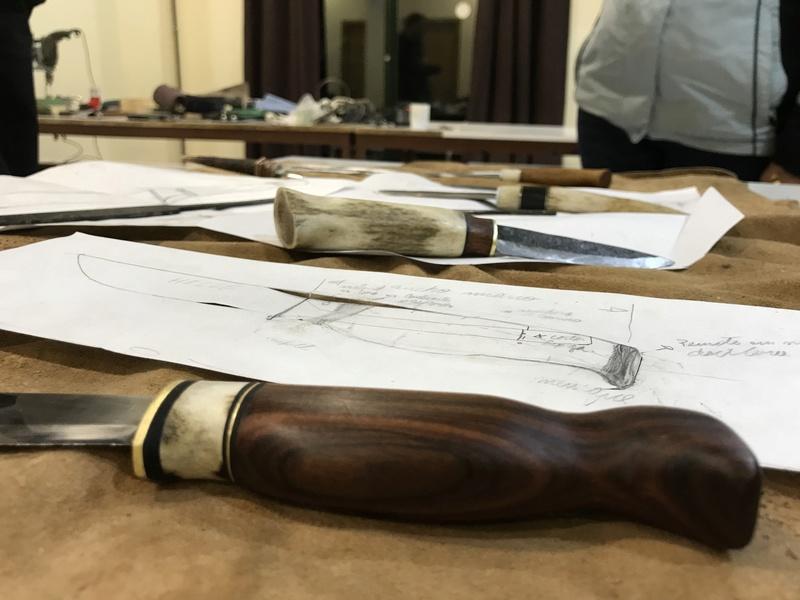 Curso de elaboración de cuchillos Nórdicos. Alfonso García-Oliva. (Iurde)  - Página 2 Img_5210
