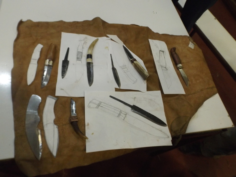 Curso de elaboración de cuchillos Nórdicos. Alfonso García-Oliva. (Iurde)  - Página 2 Dscf3413