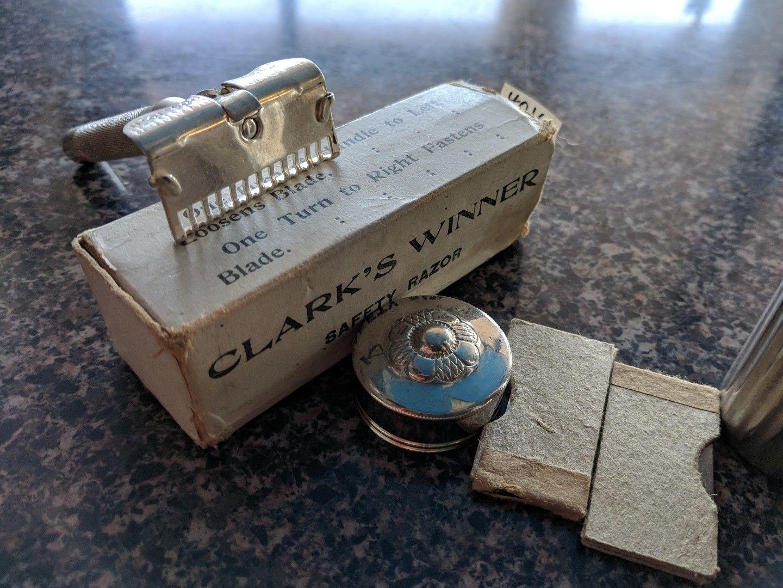 1927 -  Clarks Winner un SE à lames rigide  de très bonne facture  Cw310