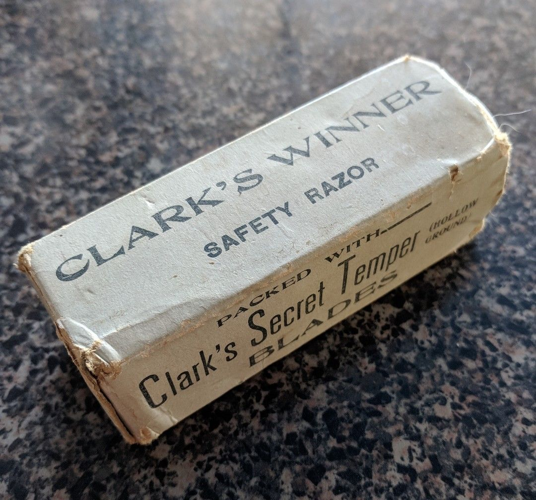 1927 -  Clarks Winner un SE à lames rigide  de très bonne facture  Cw810