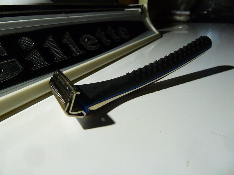 Quels sont les rasoirs vintage ou actuels avec une finition dorée/plaquée or/cuivre/laiton ? - Page 2 P1130020