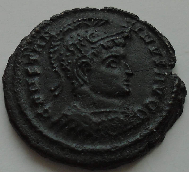 Nummus Constantin 1er le grand Consta12