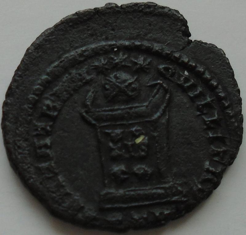 Nummus Constantin 1er le grand Consta13