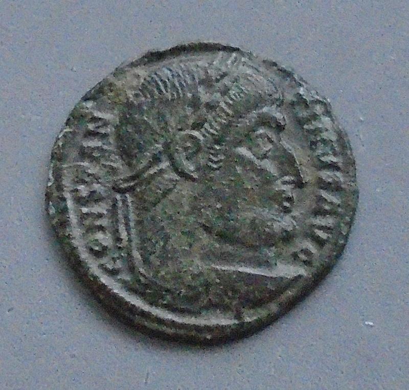 Nummus Constantin 1er le grand Consta34