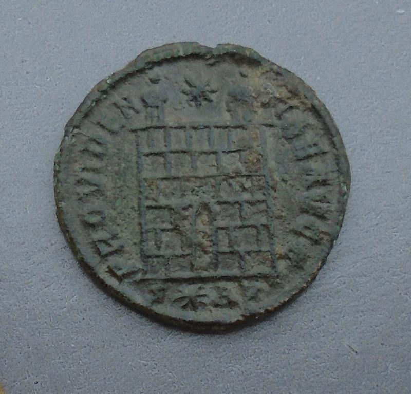 Nummus Constantin 1er le grand Consta36