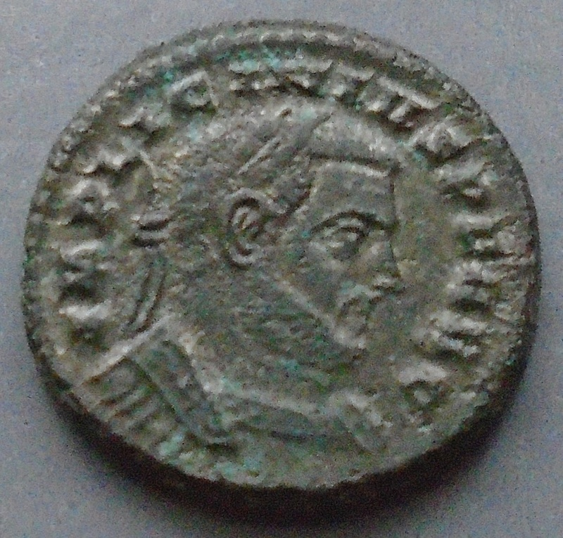 Follis Licinius I (Traces argentures) Licini12