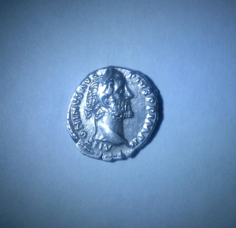Besoin d'aide authenticité denier Antonin le pieux S-l16016