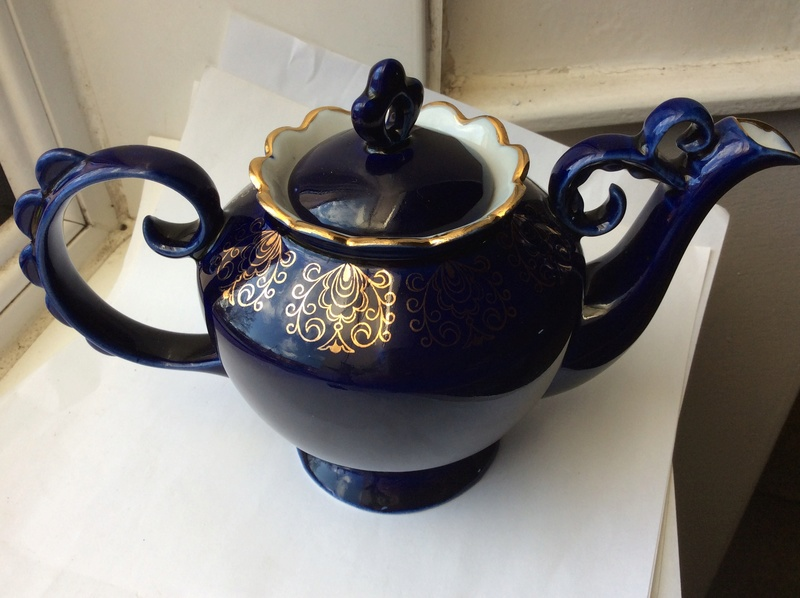Help with mark on a blue gold glaze teapot 20bd5810