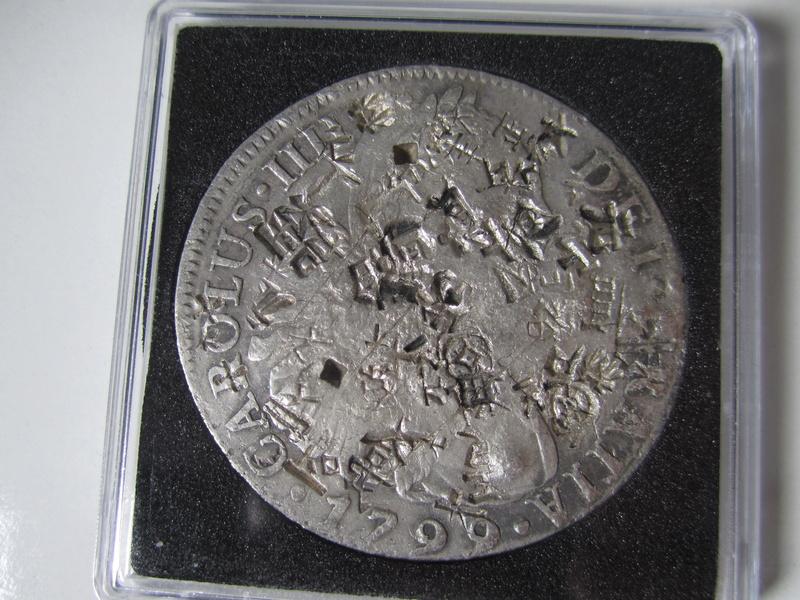 8 reales 1799. Carlos IV. Lima. Resellos chinos Img_7024