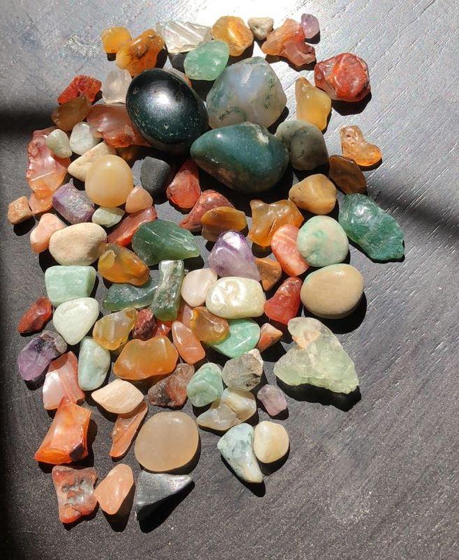 تقييم لمجموعة من الحجارة  2222211