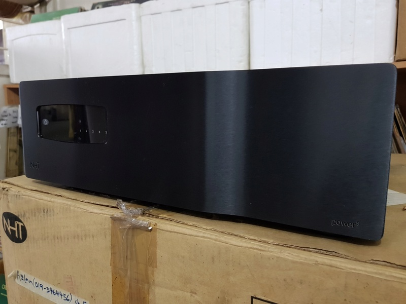 "NHT Power5 - 1000 watt Power Amp. (Free ""NHT Controller"" as a complimentary deck) Main_p11"