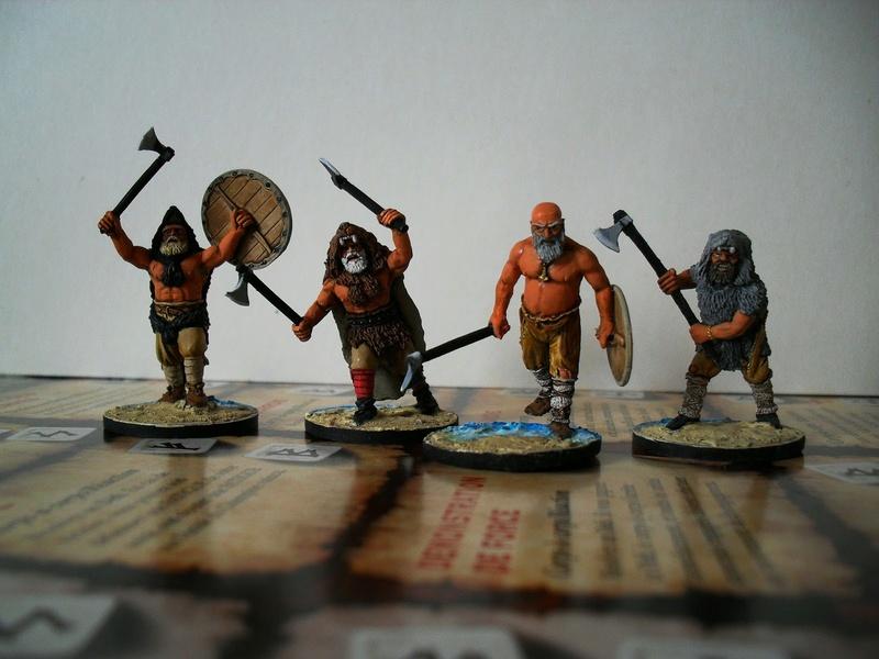Chef de guerre Viking et guerriers fauves VV miniatures Sdc15210
