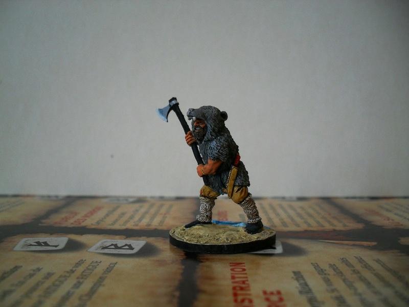 Chef de guerre Viking et guerriers fauves VV miniatures Sdc15214