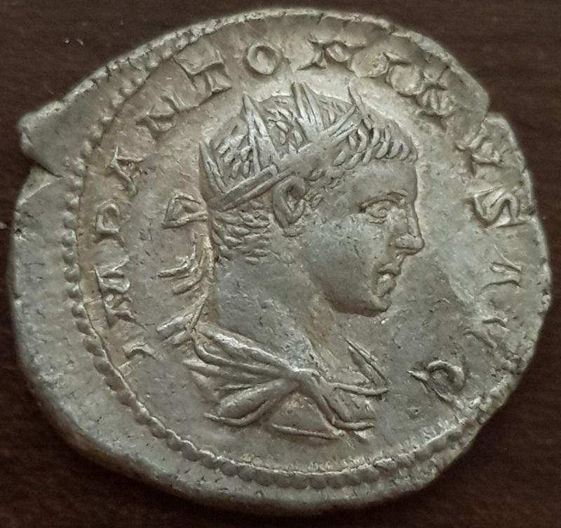 Antoniniano de Heliogábalo. TEMPORVM FELICITAS. Felicidad a izq. Roma Antoni10