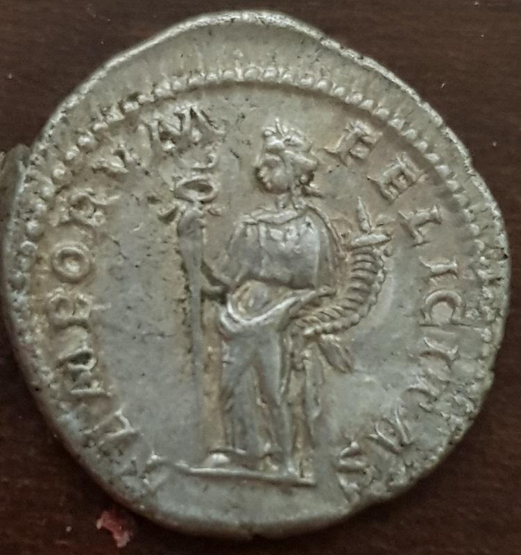 Antoniniano de Heliogábalo. TEMPORVM FELICITAS. Felicidad a izq. Roma Antoni11