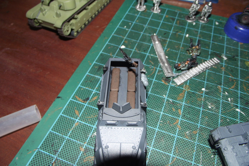 converting armourfast sdkfz 251/1 to a sdkfz 251/7 Dscf6715