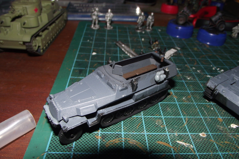 converting armourfast sdkfz 251/1 to a sdkfz 251/7 Dscf6716