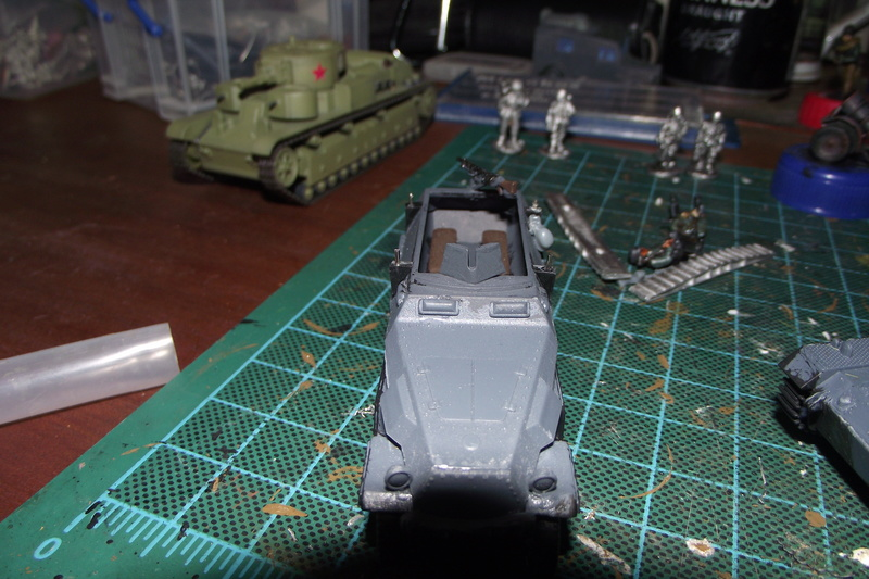converting armourfast sdkfz 251/1 to a sdkfz 251/7 Dscf6717