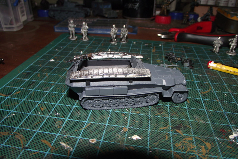 converting armourfast sdkfz 251/1 to a sdkfz 251/7 Dscf6718
