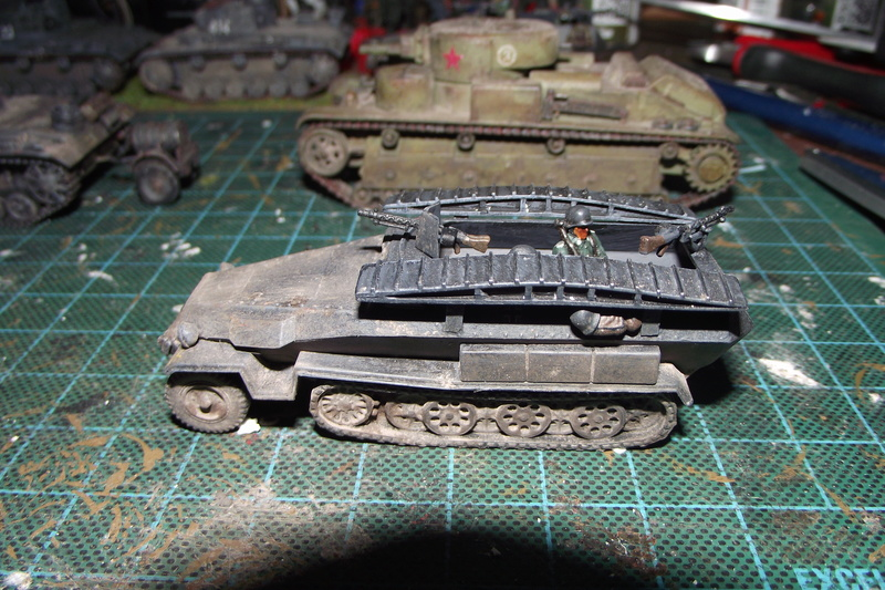 converting armourfast sdkfz 251/1 to a sdkfz 251/7 Dscf6719