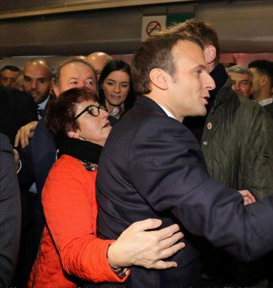 Macron au salon  - Page 2 Cricri11