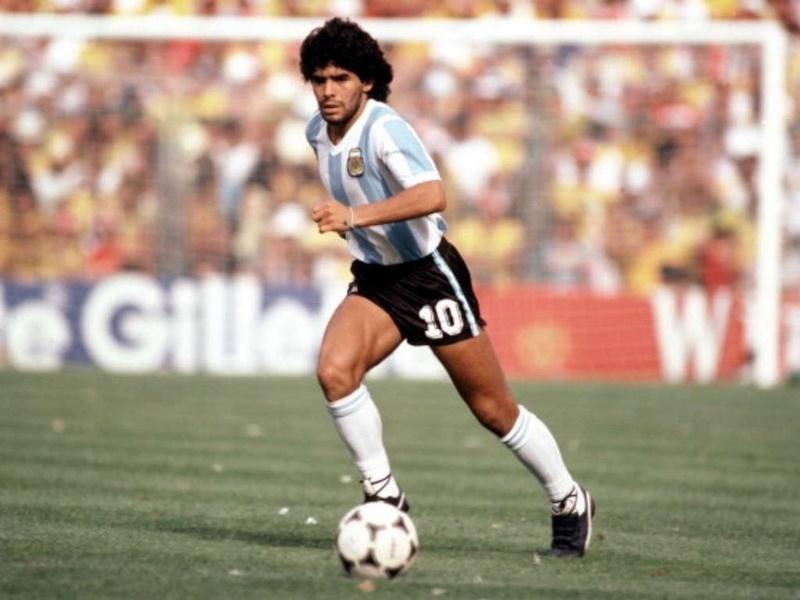 Diego Maradona 15345910