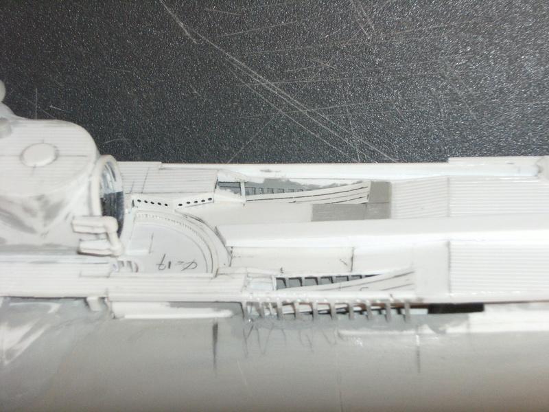 Sous-marin porte-avions japonais I-400 échelle 1/200° - Page 2 101_i-10
