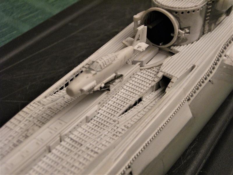 Sous-marin porte-avions japonais I-400 échelle 1/200° - Page 3 189_i-10