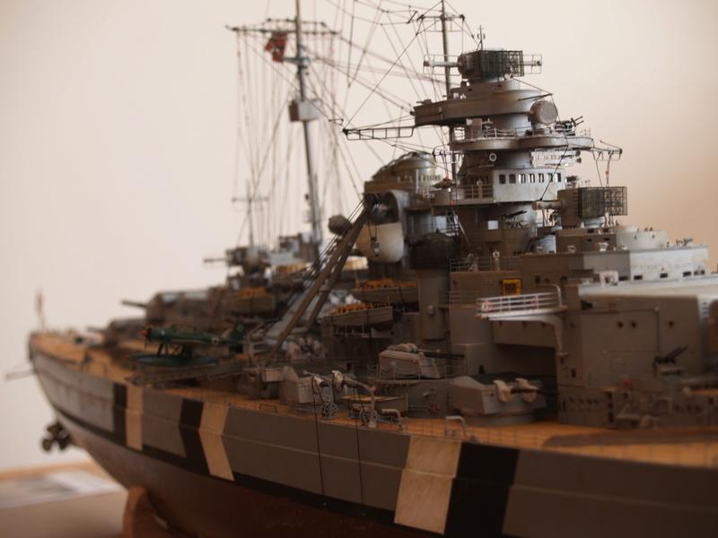 Bismarck 1/200 Trumpeter P1010910