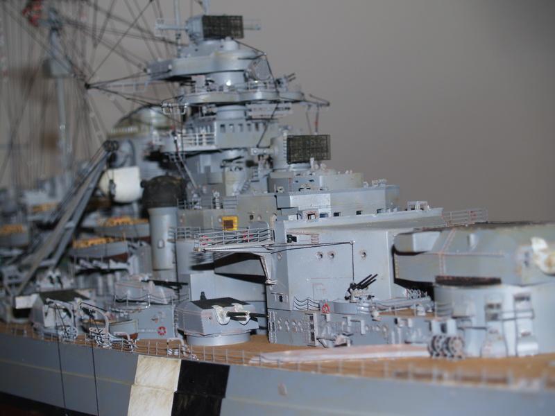 Bismarck 1/200 Trumpeter P1010912