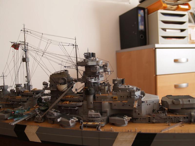 Bismarck 1/200 Trumpeter P1010913